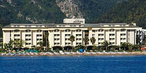 Munamar Otel'i Katarlılar aldı
