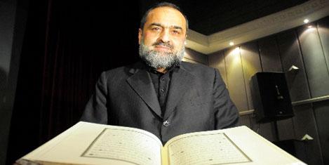 Kur'ân-ı Kerîm'i 5 yılda elle yazdı