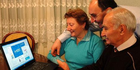 Gurbetçilere online düğün töreni