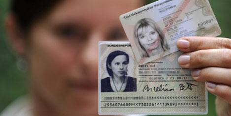 Almanya'da elektronik kimlik kartı