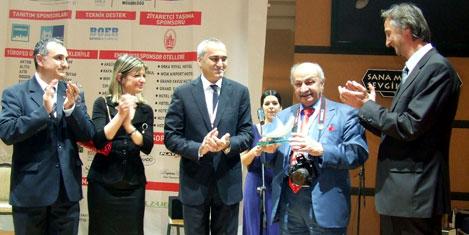 Halil Tuncere turizm' ödülü