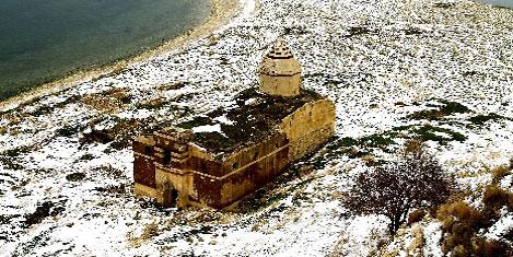 Ermeni kiliselerine restore