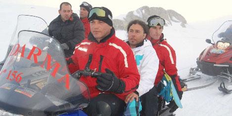 10 kayakçıyı, asker kurtardı