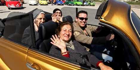 Yaşlılara 'Vosvos'la Ankara turu