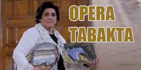 Operayı tabaklarda yaşatıyor