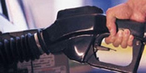 Uçak ve otoda yakıt düşecek