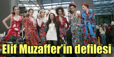 Elif Muzaffer'in Londra defilesi
