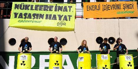 Müzikli Greenpeace protestosu