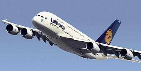 Lufthansa, A-380 uçağını alıyor