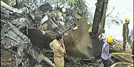 Hindistan'da uçak kazası: 160 ölü