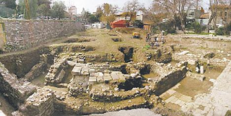 Atina'nın Akropolü İzmir'de