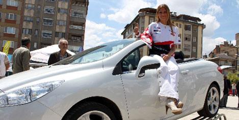 Burcu Çetinkaya, Peugeot tanıttı
