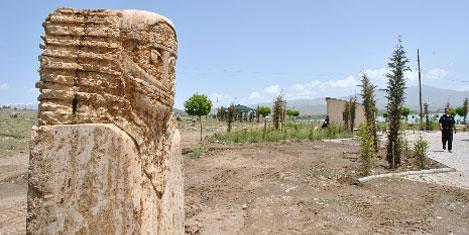 Müze, heykeli Erciş'e verdi