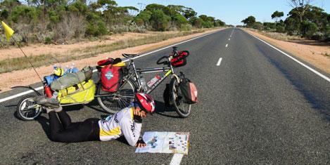 Erden Eruç, Avustralya'yı bitirdi