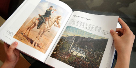 Milli Saraylar Tablo'ları kitapta