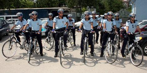 Yaya yoluna bisikletli polis geliyor!