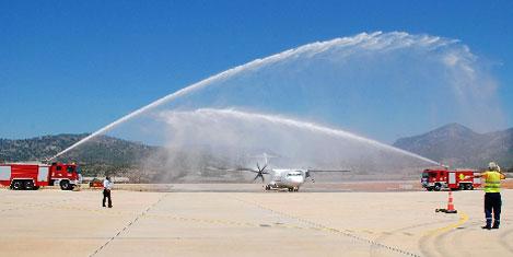 Gazipaşa'da ilk tarifeli yolcu uçağı