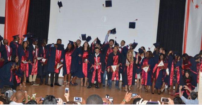 YDÜ Turizm ve Otel İşletmeciliği mezunlarını verdi