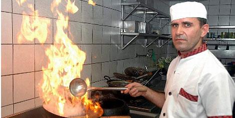 Çin lokantasında Türk aşçıbaşı
