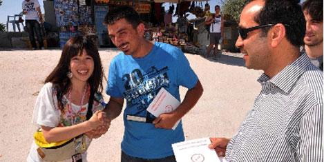 Ürgüp'te turistlere Anayasa kitabı