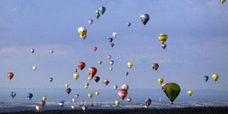 Almanya semalarında balonlar