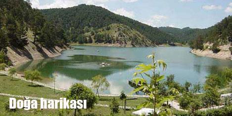 Sünnet Gölü'ne turist akını