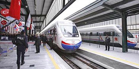 Hızlı Tren'de yolcu 2 milyonu aştı