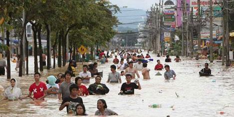 Tayland'da turistler mahsur kaldı