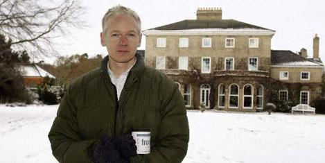 Assange: Belgeler açıklanacak