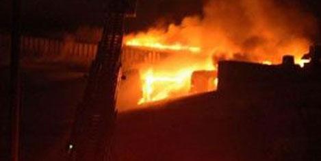 Kozyatağı Carrefour'da yangın
