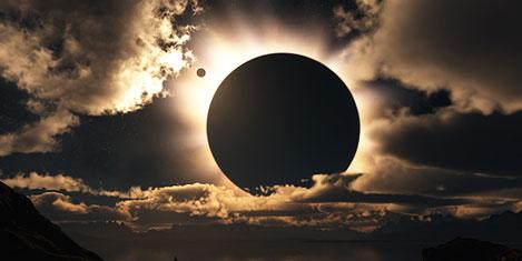 Güneş ve ay aynı gün tutuluyor