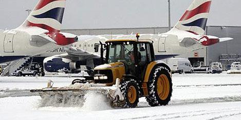 Heathrow Havaalanı kapandı