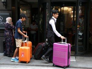 Şişli'de, bir oteli içinde müşteri varken tahliye ettiler