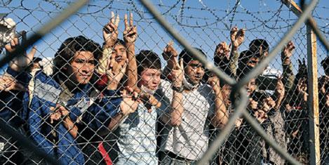 Yunanistan, sınıra tel örgü çekiyor