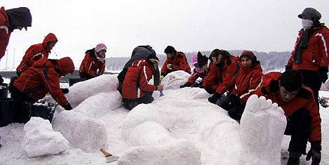 """""""Kardan şehid heykelleri"""" yapılıyor"""