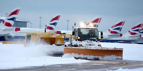 Kış şartları British Airways'i vurdu