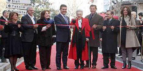 İstanbul'un en şık caddesi açıldı