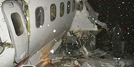 İran'daki uçak kazasında ölü 77
