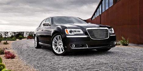 300 Sedan, Chrysler tanıtılıyor