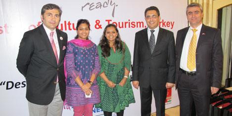 Hindistanlı turizmcilere tatil
