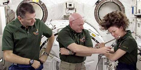 Uzayda astronot konser verecek