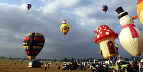 Çizgi film kahramanlı balonlar