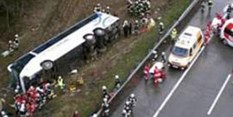 Yunan turist otobüsü kazası:5 ölü