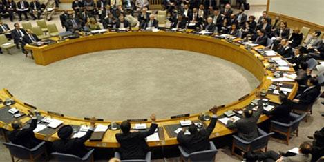 BM'den Kaddafi'ye yaptırım