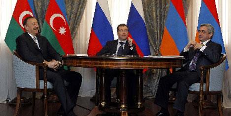 Liderler Karabağ'ı görüşüyor