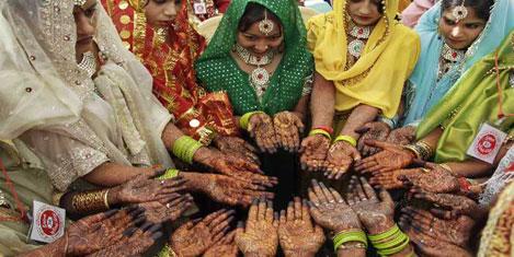 151 Hintli için toplu nikah töreni