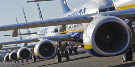 Ryanair'e 300'üncü 737-800