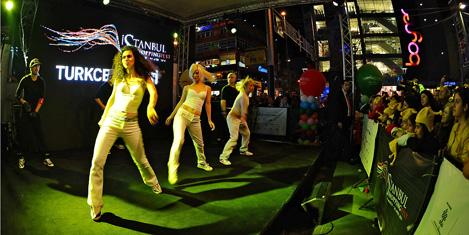Bağdat Caddesi'nde festival