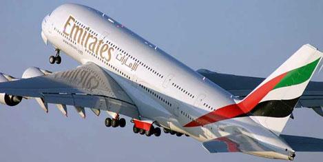 İlk Emirates A 380 uçağı Afrika'da