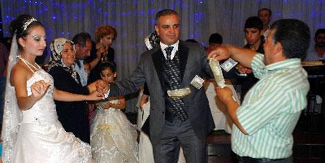 Rus geline Türk usulü düğün